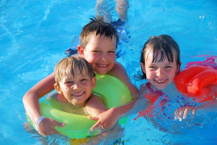 Swimming Pool Safety Tips for Kids and Toddlers