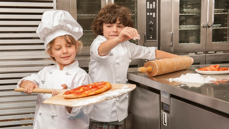 4 Ways to Get Your Kids in the Kitchen